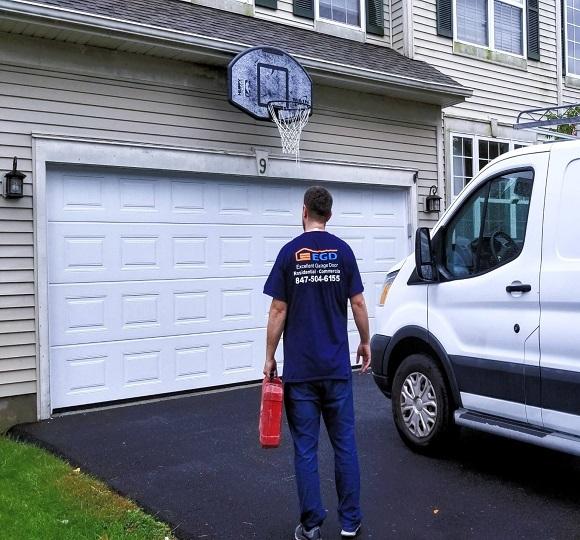 Garage-Door-Services-2.jpg