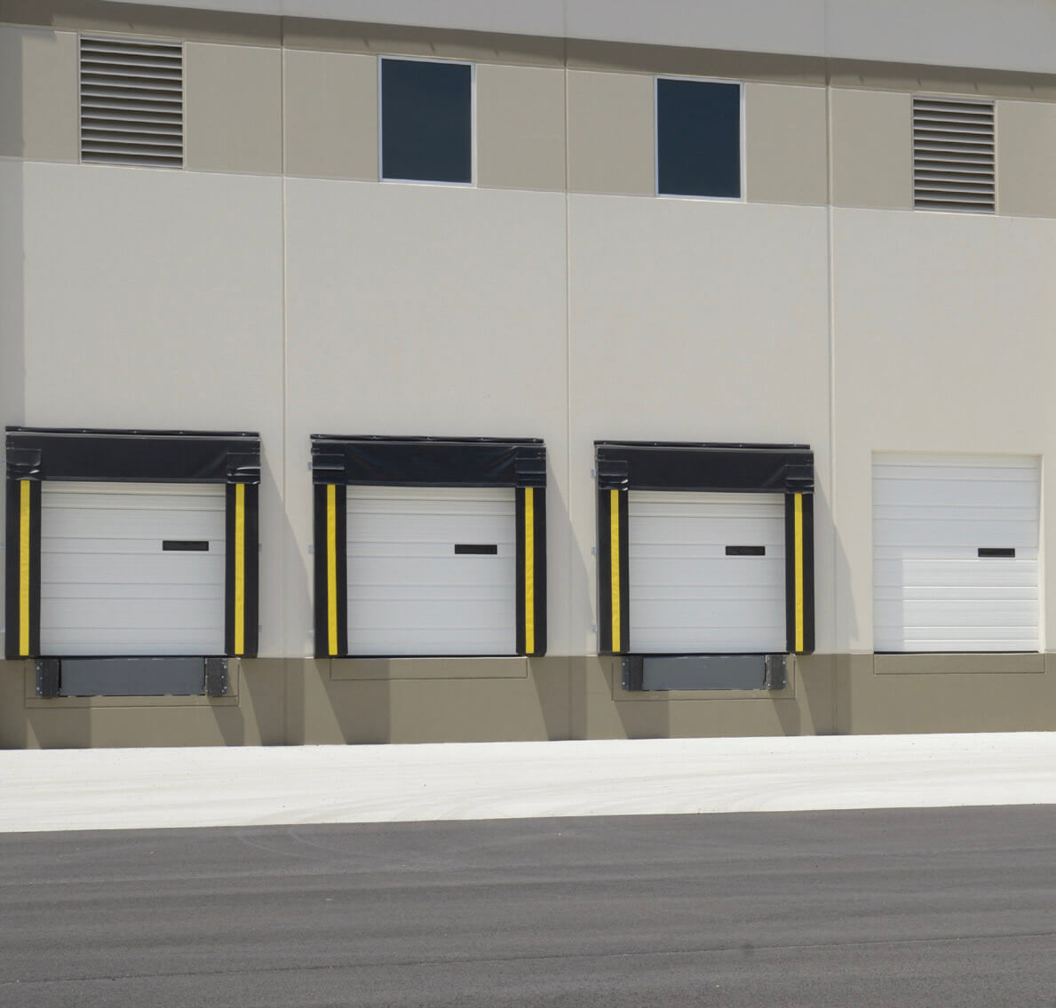 commercial-ribbed-garage-door